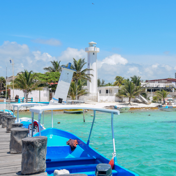 Puerto Morelos dock and lighthouse